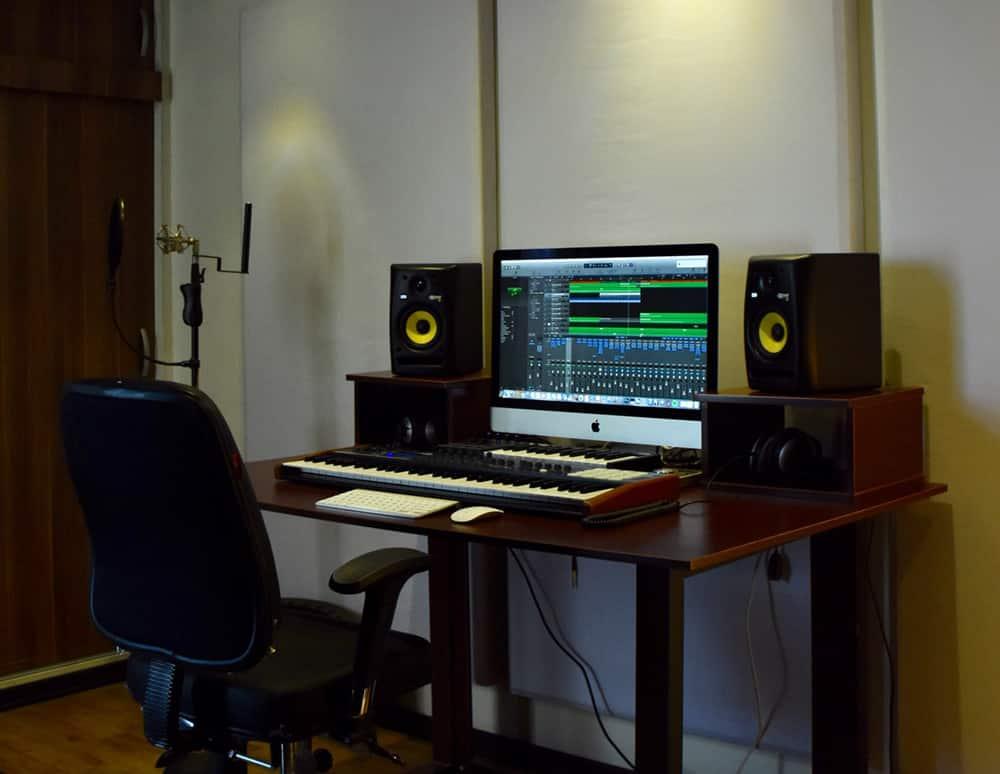 how to set up your home recording studio musixon. Black Bedroom Furniture Sets. Home Design Ideas